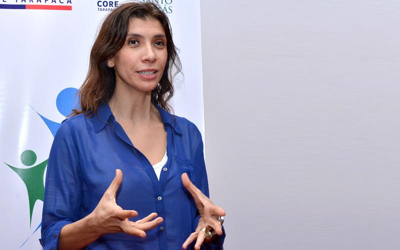 """Alejandra Mustakis: """"En Chile tenemos demasiado talento para sólo copiar cosas desde afuera"""""""