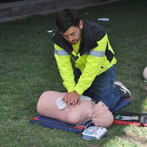 Alumnos aprenden RCP en II Jornada de Urgencias organizada por Centro de Estudiantes de Enfermería de UST Viña del Mar
