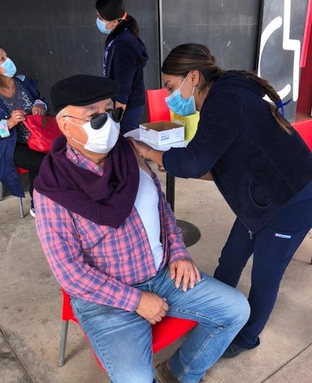 Estudiantes de Enfermería Santo Tomás La Serena y su Colaboración en Vacunación COVID 19, vacunación anti-Influenza y en Trazabilidad, aportan a la región de Coquimbo.